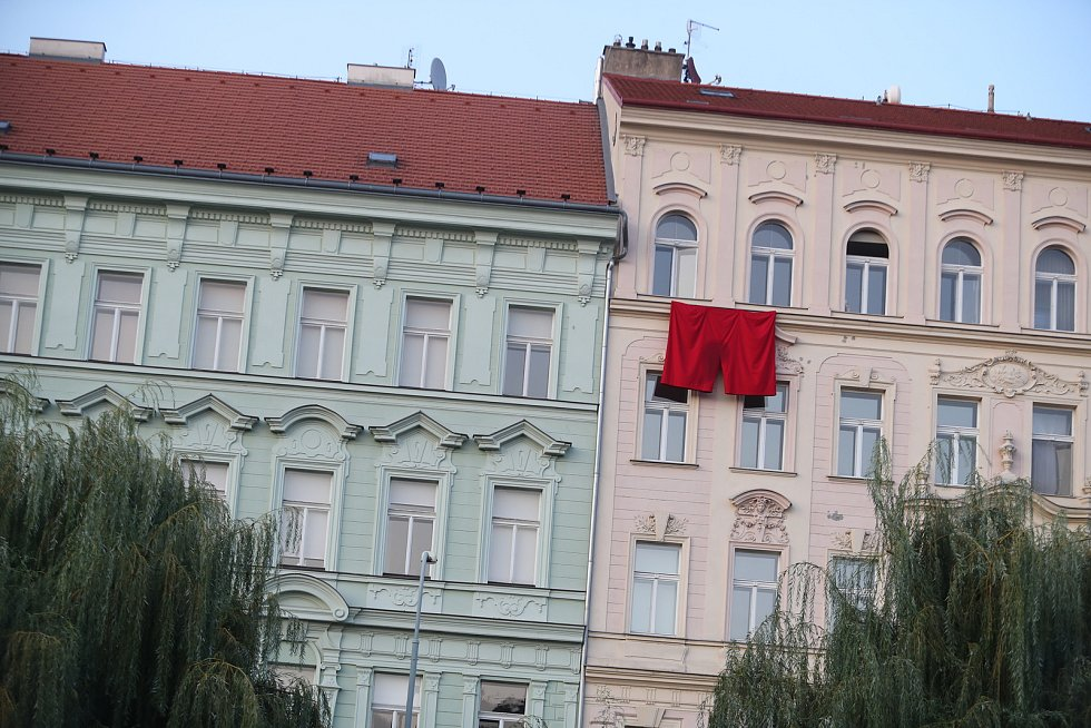 Trenýrky na protest proti Miloši Zemanovi.
