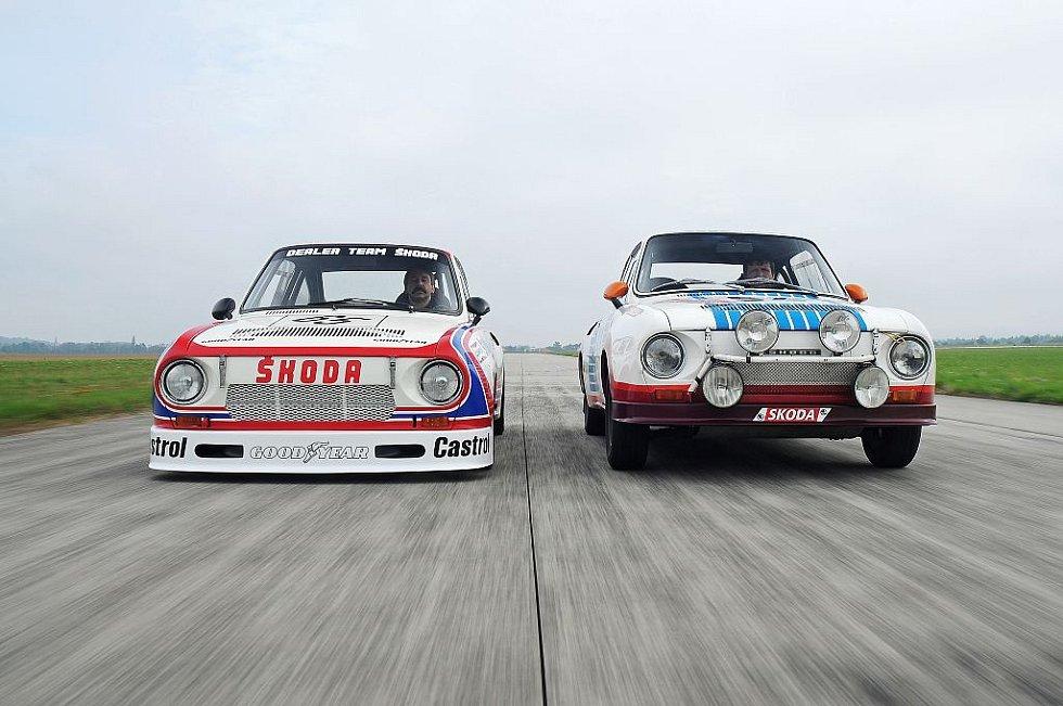 Škoda 130 RS. Vlevo je okruhová verze z roku 1981, vpravo soutěžní provedení z roku 1977.