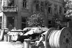 Barikáda na tehdejším varšavském Napoleonově náměstí