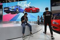Stánek automobilky Ford na autosalonu v Pekingu