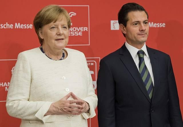 Enrique Peña Nieto a Angela Merkelová