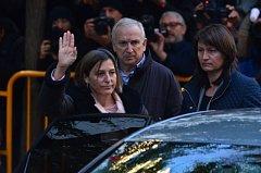 Carme Forcadellová přijíždí k soudu v Madridu