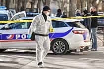 Ozbrojenci ve Francii zaútočili na eskortu vezoucí vězně
