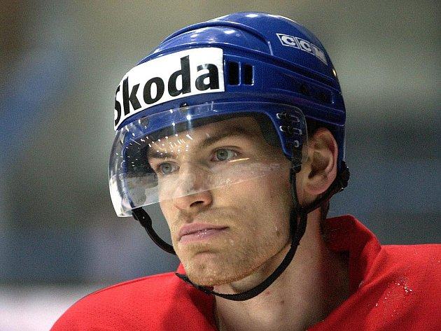 Hokejový obránce Martin Škoula.