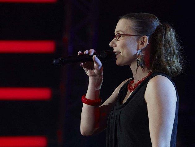 Lenka Jankovská je už druhou zpěvačkou skupiny Yelow Sisters, která se rozhodla přihlásit do Hlasu.