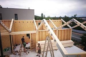 Firma Palis Jaromíra Eismana se specializuje na dřevěné novostavby.
