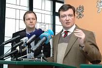 David Rath (vpravo) se svým náměstkem pro regionální rozvoj Marcelem Chládkem