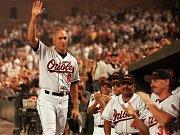 IKONA. Cal Ripken náleží mezi nejblyštivější hvězdy americké Major League Baseball.