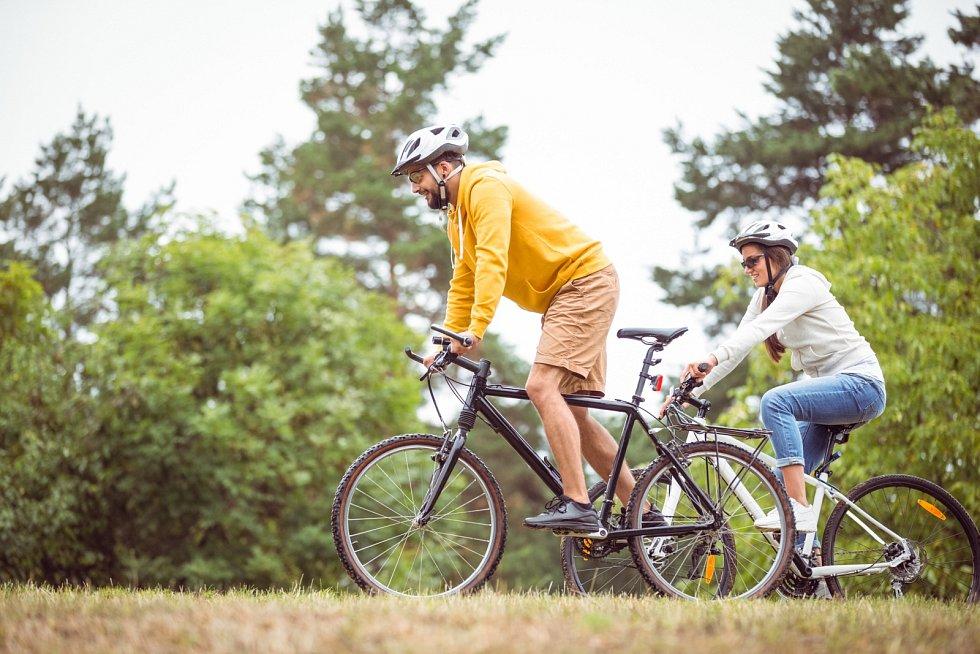 Jízda na kole je jednou z velmi oblíbených a doporučovaných technik po úrazech a operacích hlavně v oblasti kolen.