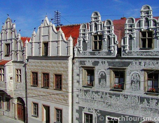 Impozantní architektura slavonického náměstí