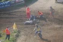 Teprve osmnáctiletý závodník Michael Špaček zemřel. Chtěl být nejlepší nasvětě a měl k tomu velké předpoklady.  Jenže krutá nehoda, která se osmnáctiletému motokrosaři Michaelovi Špačkovi přihodila 26. září, se mu stala osudnou.