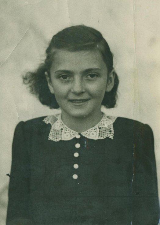 Věra Vitoušová (provdaná Doleželová) těsně před válkou.