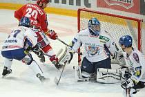 Hokejisté Kladna potvrdili výbornou formu z posledních dní. Slavii porazili na jejím hřišti 3:1.