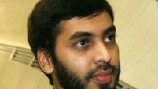 Lékař Muhammad Haníf je zpátky v Indii. Po Austrálii požaduje vrátit své pracovní vízum.