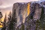 """Yosemitský """"ohňopád"""""""