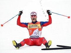 Martin Johnsrud Sundby se zapsal do historie. Jako první muž vyhrál Tour de Ski potřetí za sebou.