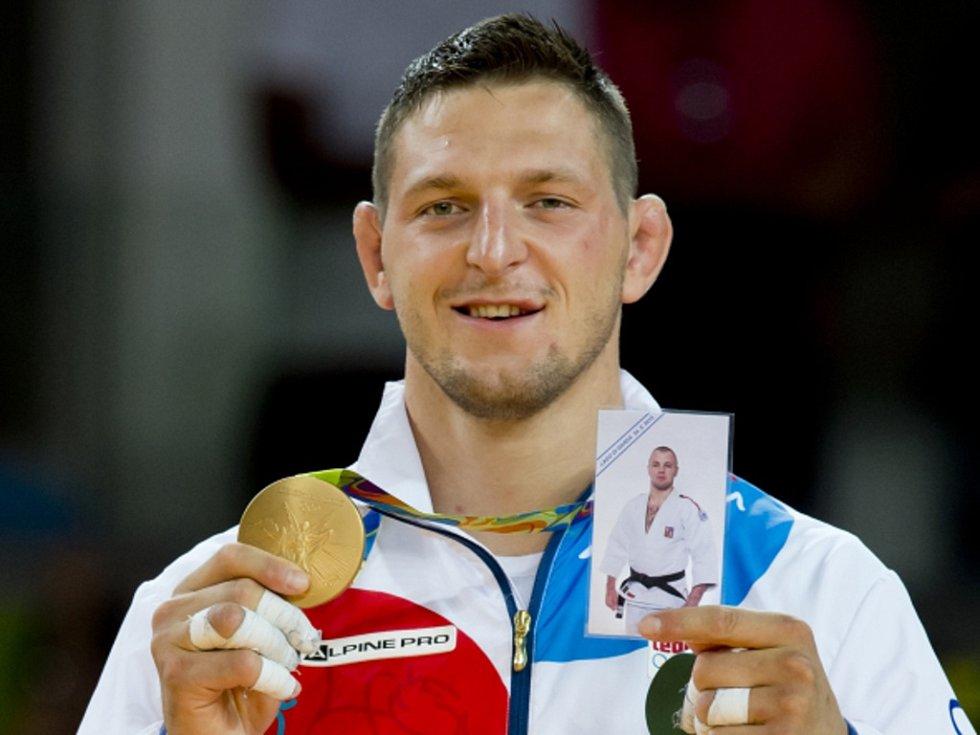 Lukáš Krpálek věnoval olympijské zlato i judistovi Alexanderu Jurečkovi, který před rokem zemřel při potápění.