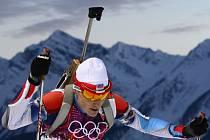 Biatlonista Ondřej Moravec ve sprintu na 10 km na olympijských hrách v Soči.