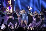 Super Bowl: Lady Gaga.