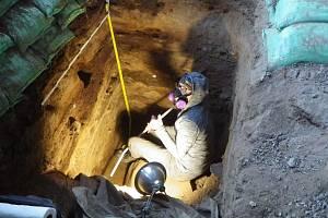 Lidé žili v Oregonu už před 14 tisíci lety. Vědecký tým Johna Blonga z Newcastle University to zjistil díky speciálnímu objevu v jeskyních nedaleko města Paisley