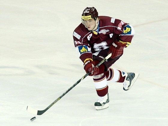Opora hokejistů Sparty Petr Ton.