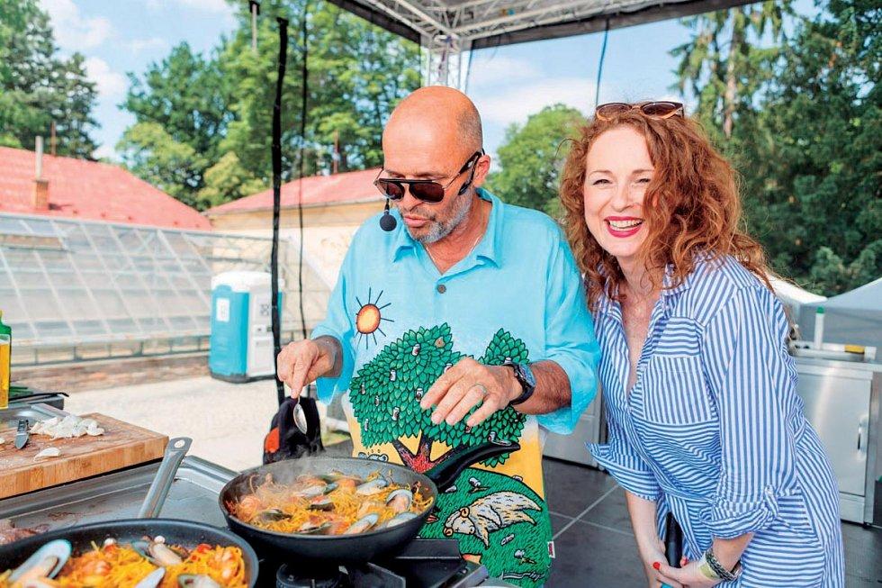 Vášnivá kuchařka ve společnosti Zdeňka Pohlreicha.