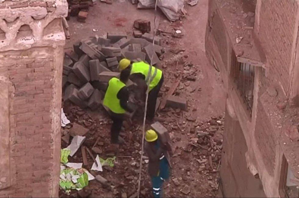 Dalších 156 budov v jemenské metropoli bylo poškozeno