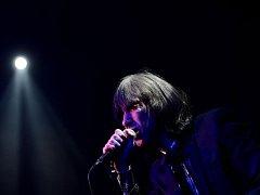 Britská kapela Primal Scream vystoupila 18. listopadu v Praze. Na snímku je zpěvák Bobby Gillespie.