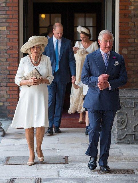 Princ Charles a jeho choť Camilla, vévodkyně z Cornwallu.
