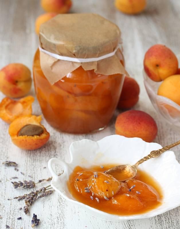 Meruňkový džem s levandulí