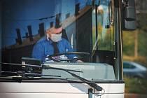 Autobus, řidič, doprava. Ilustrační foto