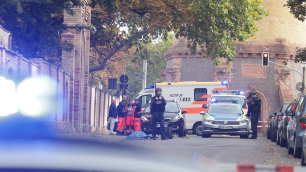 U synagogy v německém Halle se střílelo.