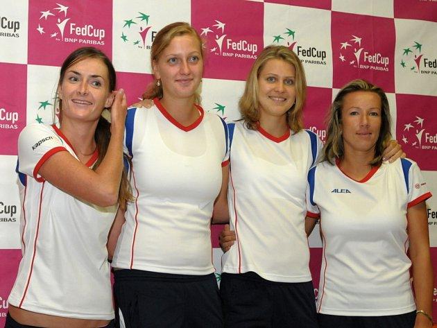 Český fedcupový tým (zleva): Iveta Benešová, Petra Kvitová, Lucie Šafářová, Květa Peschkeová.