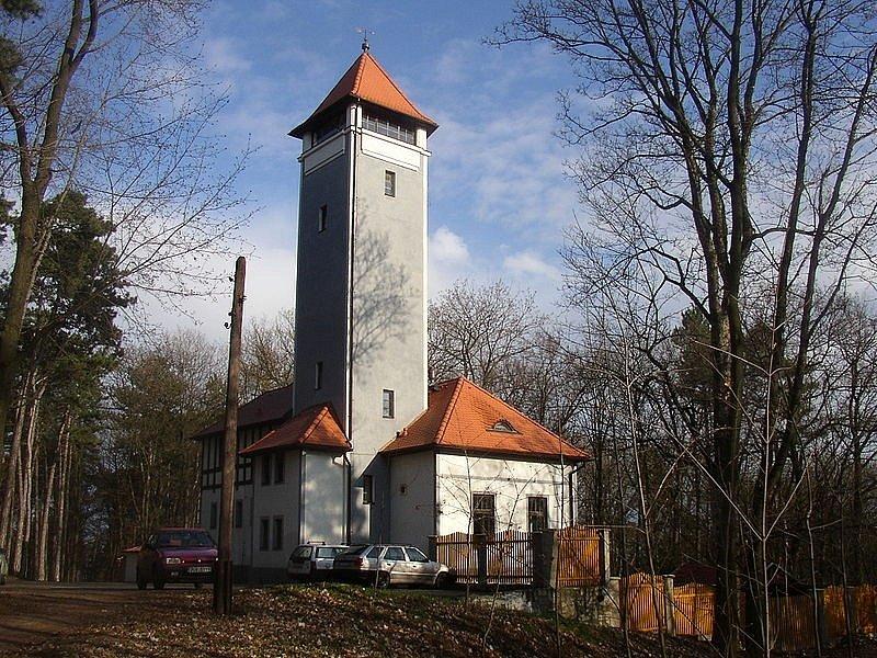 Rozhlednu Mostka z konce devatenáctého století najdete na Mostné hoře hned u Litoměřic.