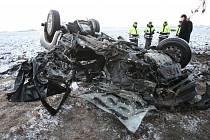 Tragická dopravní nehoda se stala v pátek kolem půl sedmé ráno na silnici 1/15 mezi Lovosicemi a Terezínem.