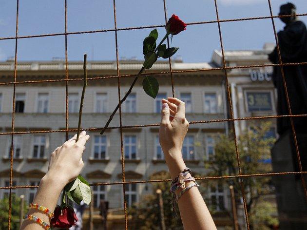 Druhým ročníkem probíhal 27. června na pražském Václavském náměstí Den Příběhů bezpráví.