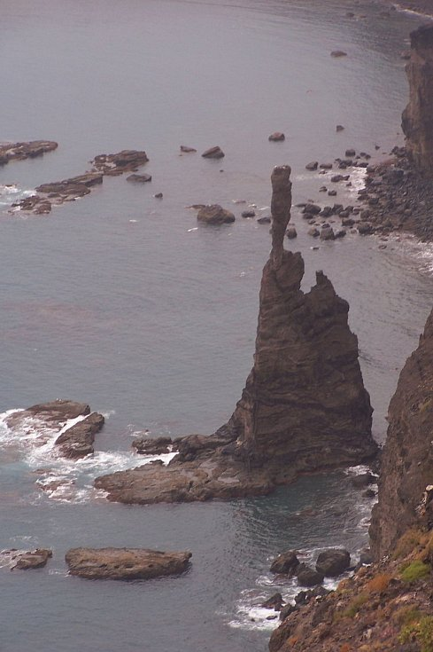 U pobřeží Kanárských ostrovů kdysi lidé mohli vidět útvar Boží prst (Dedo de Dios). Nyní již neexistuje.