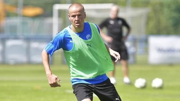 Fotbalový obránce Adam Hloušek