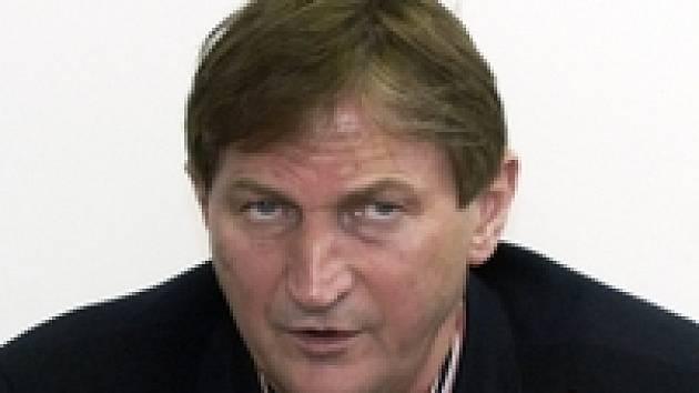 Trenér Hadamczik má těžkou hlavu