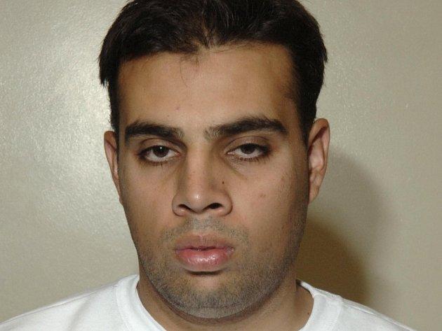 Jeden ze tří muslimů, kteří se k útoku přiznali, Assad Sarwar.