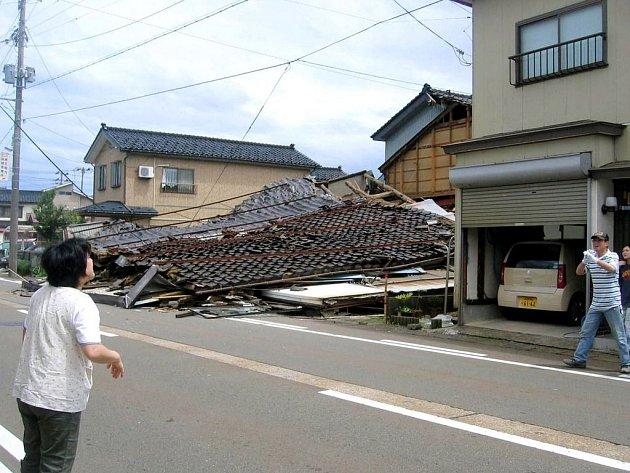 Japonsko zasáhlo zemětřesení.