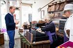 Princ William při návštěvě rodinného pekařství Smiths the Bakers
