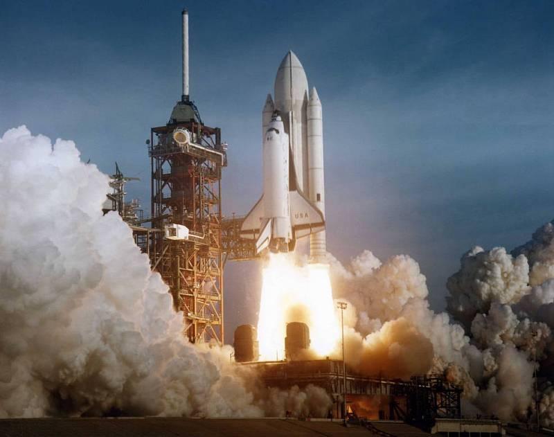 První vzlet raketoplánu Columbia v roce 1981