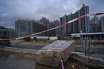 Tajfun Mangkhut po sobě v Hongkongu zanechal spoušť
