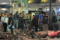 Bomba, která byla použita při pondělním útoku v thajské metropoli Bangkoku, nepatří k výbavě, na jakou jsou místní úřady uvyklé u muslimských separatistů působících na jihu země.