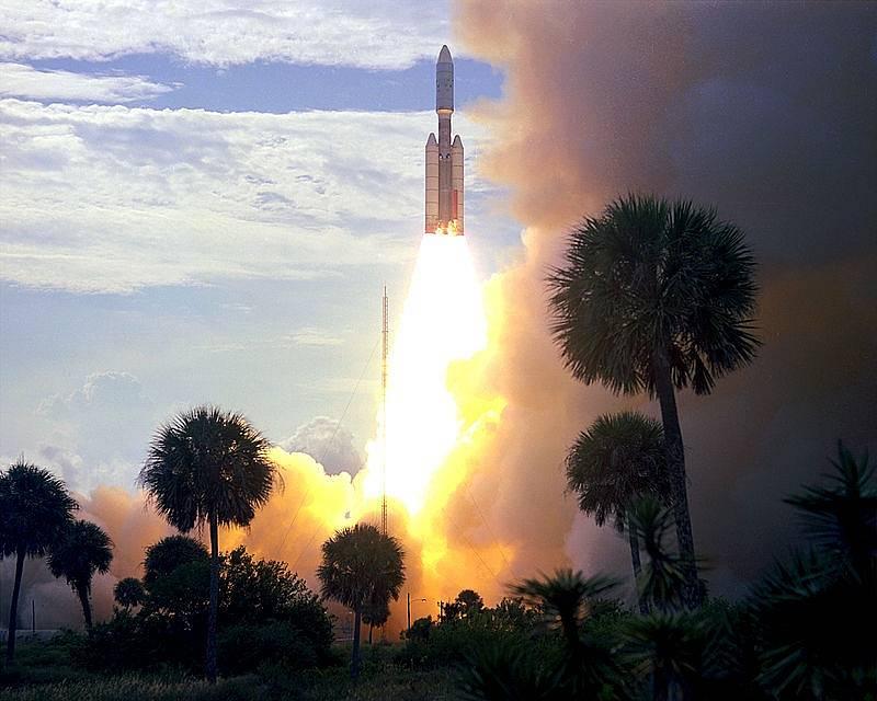 Start nosné rakety, která do vesmíru vynesla sondu s přistávacím modulem Viking 1.