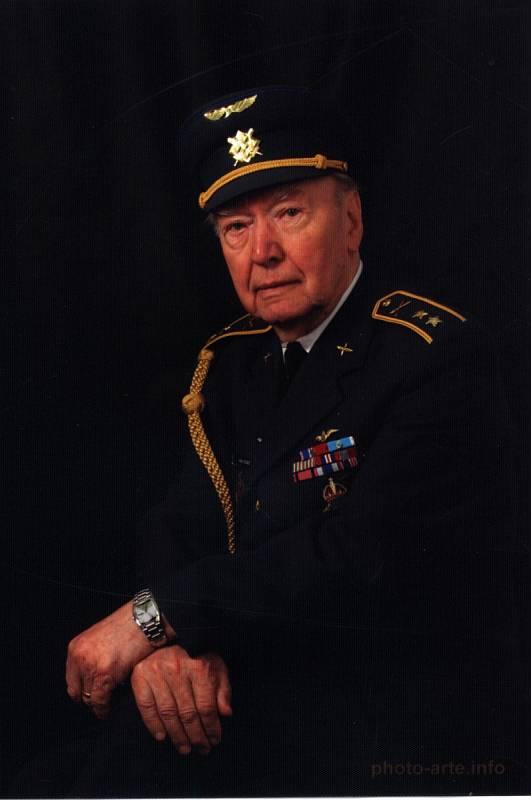 Alois Dubec ve slavností uniformě