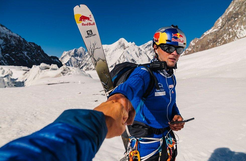 Andrzej Bargiel, první člověk, který sjel na lyžích z vrcholku K2 až do základního tábora.