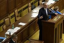Miroslav Kalousek a Andrej Babiš na plénu Sněmovny