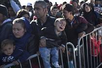 Celkem do Chorvatska přišlo za poslední týden k dnešnímu dopoledni 44.000 uprchlíků mířících dále do západní Evropy, oznámila chorvatská vláda.